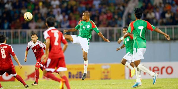 জাতীয় ফুটবল দল ঘোষণা, মামুনুল বাদ