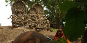 চাঁপাইনবাবগঞ্জের, তুলেছিলেন শরীফ খিয়াম।