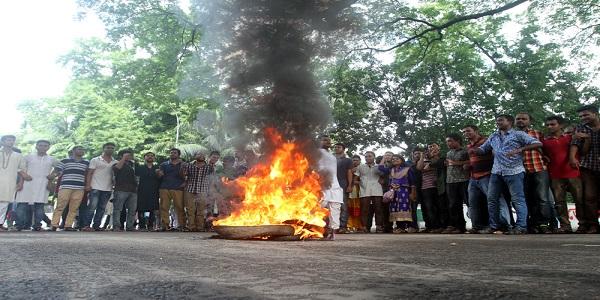 ঢাবি উপাচার্য পদত্যাগ না করলে ধর্মঘট