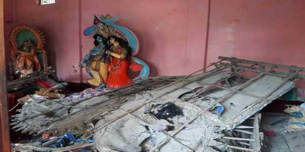 নাসিরনগরে হামলাকারীদের গ্রেফতারের দাবিতে শাহবাগ অবরোধ