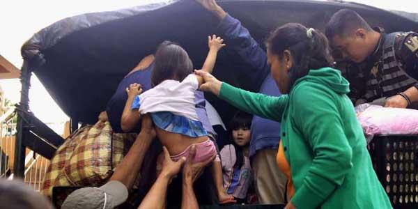 ফিলিপাইনে 'নক-টেন'র আঘাত