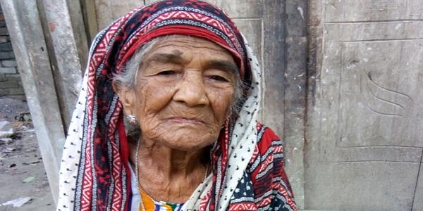 শেষ বয়সেও আয়শা বেগমের ভাগ্যে জোটেনি বয়স্ক ভাতা