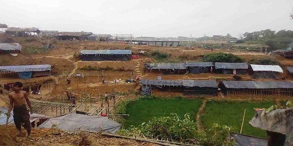 পাহাড় কেটে রোহিঙ্গা বস্তি নির্মাণে বন বিভাগের মামলা