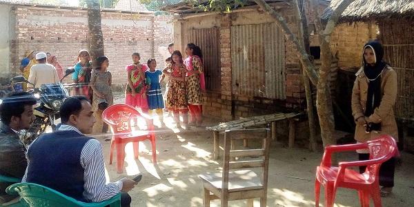 ঠাকুরগাঁওয়ে বিয়ের দাবিতে কিশোরীর অনশন