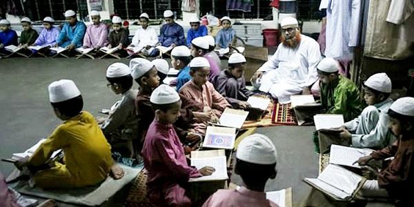 সরকারি চাকরিতে যোগ দিচ্ছেন ১০১০ কওমী আলেম