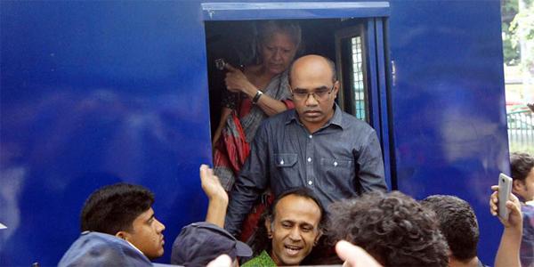 অধ্যাপক রেহনুমা ও বাকি বিল্লাহকে আটকের পর ছেড়ে দিয়েছে পুলিশ