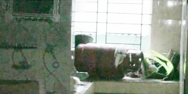আশুলিয়ায় গ্যাসের আগুনে বাবা-মা ও সন্তান দগ্ধ