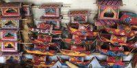 ঐতিহ্যকে লালন করছে দোয়েল চত্ত্বরের শো-পিস মার্কেট
